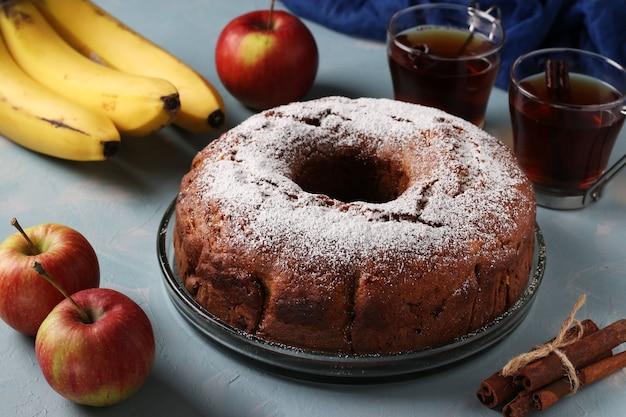 Cupcake maison aux pommes, bananes et cannelle