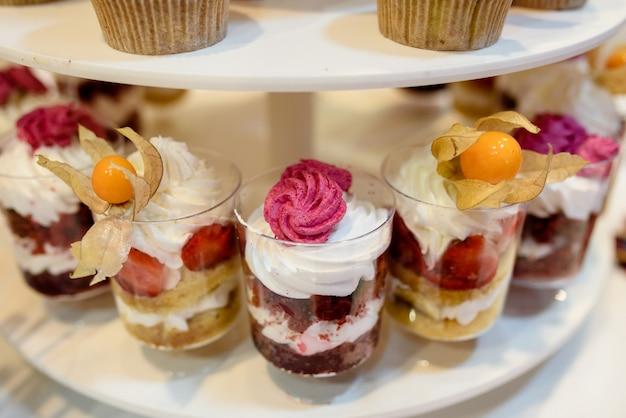 Cupcakes multicolores à la crème