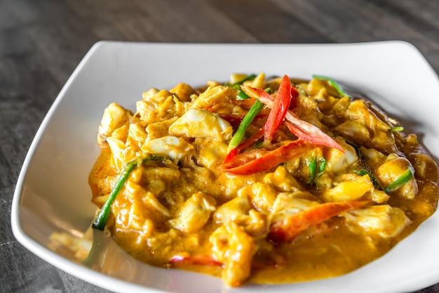 Curry de chair de crabe