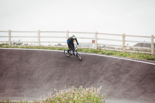 Cycliste équitation vélo bmx