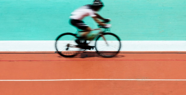 Cycliste, vélo, dans, a, stade