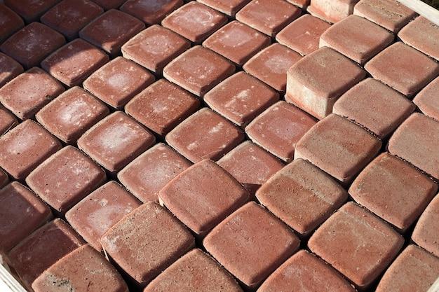 Les dalles de pavage sont alignées. photo de haute qualité
