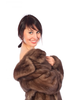 Dame en manteau de fourrure
