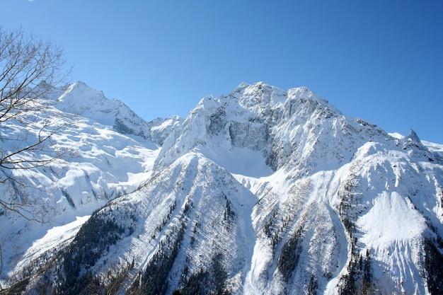 Dans les montagnes de dombai, caucase