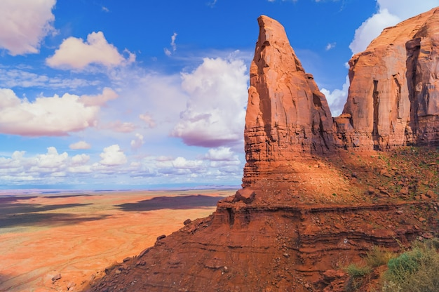 Dans le parc tribal monument valley navajo, arizona, états-unis