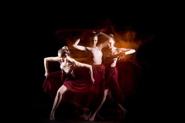 La danse sensuelle et émotionnelle de la belle ballerine
