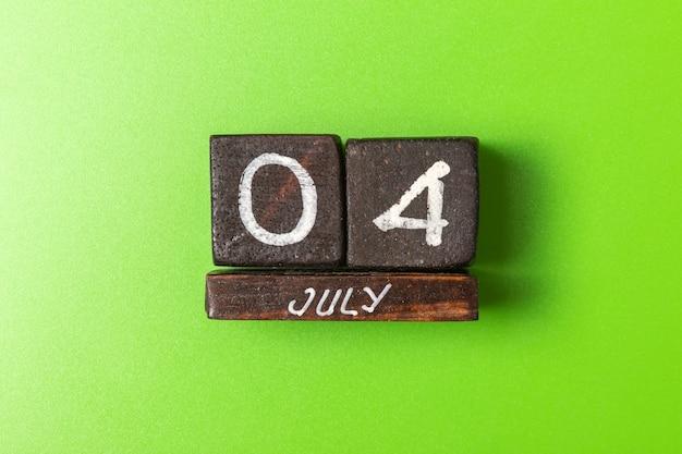Date de la fête de l'indépendance du 4 juillet sur des cubes en bois