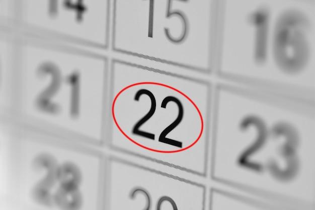 Date limite du calendrier du planificateur, jour de la semaine sur papier blanc 22