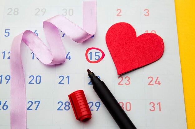 Date d'ovulation marquée sur le calendrier, essayant de concevoir.