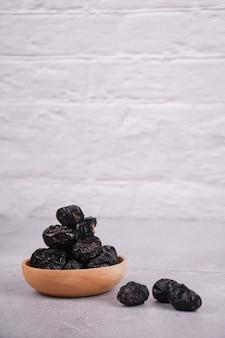 Les dattes azwa sont très appropriées pour être mangées pendant l'aïd