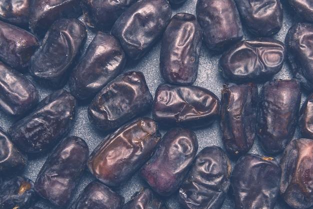 Dattes noires fruits secs sains