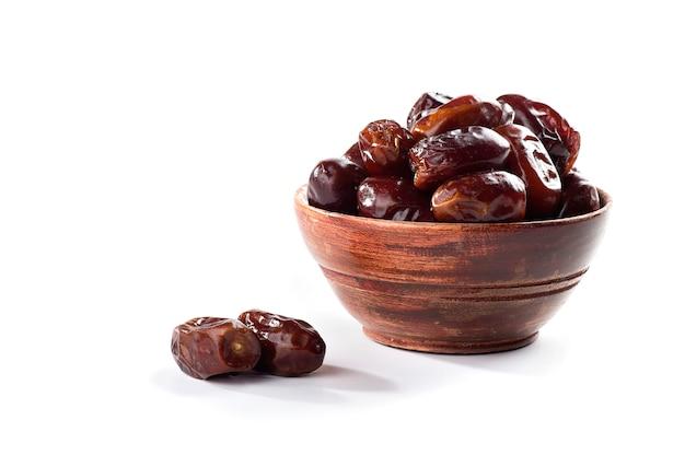 Dattes séchées fruits dans un bol