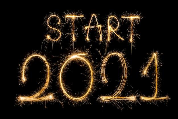Début 2021, personnages de feux d'artifice du nouvel an 2021