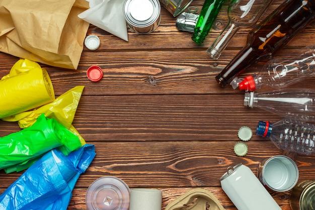 Déchets de papier, plastique, polyéthylène