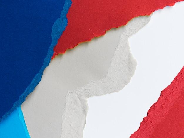 Déchirures de papier colorées