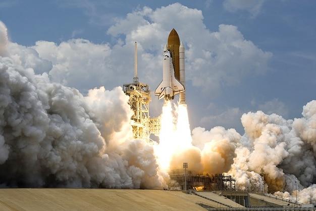 Décollage de lancement spatial fusée nasa voyage
