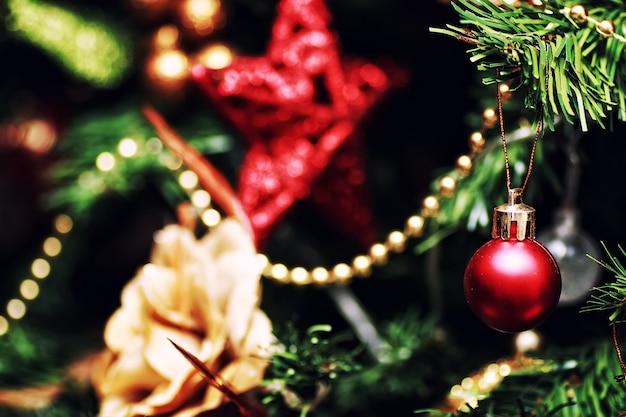 Décor de boule d'arbre de nouvel an