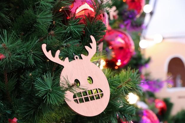 Décoration d'accessoires de renne mignon dessin animé noël sur l'arbre