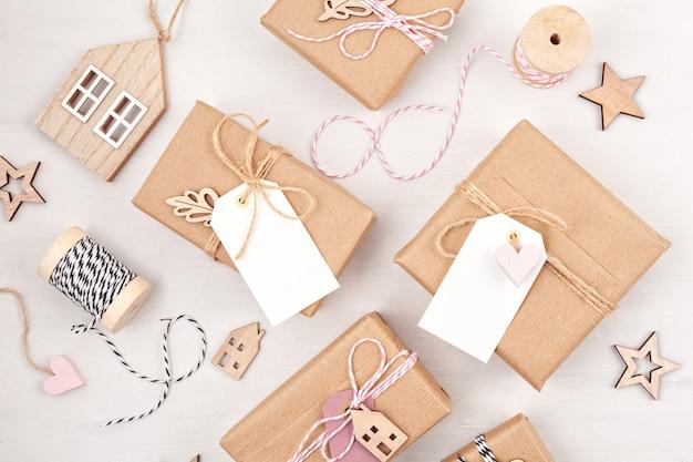 Décoration de cadeaux de noël morden aux couleurs pastel