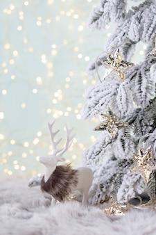 Décoration confortable de noël et du nouvel an, arrière-plan flou.