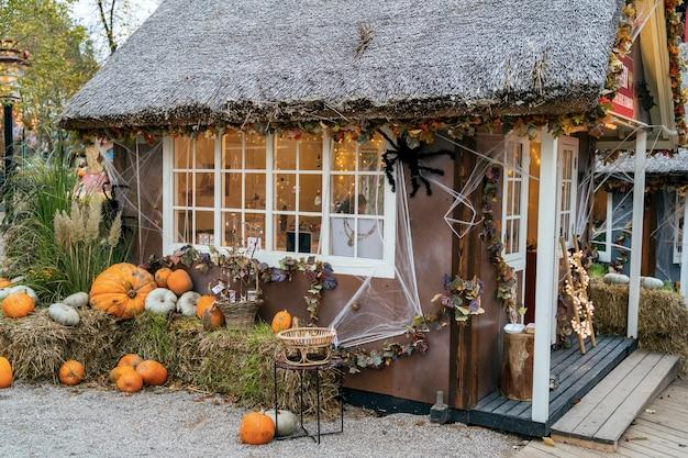 Décoration d'halloween à tivoli à copenhague, danemark.