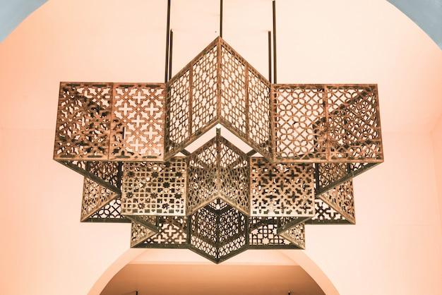 Décoration de lampe dans le style marocain