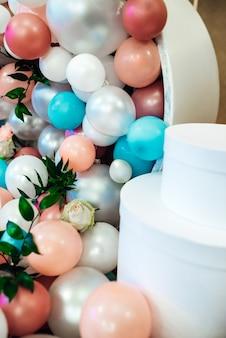 Décoration de mariage avec de grosses perles dans le style de tiffany