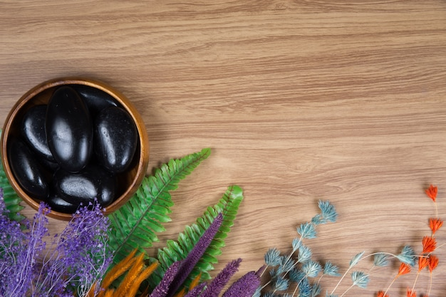 Décoration de spa sur fond de bois
