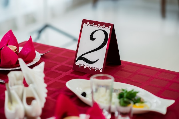 Décoration sur la table des fêtes.