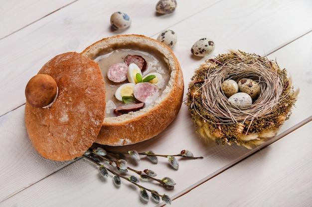 Décoration de table de pâques polonaise
