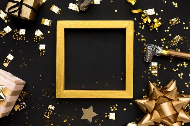 Décorations dorées pour la fête d'anniversaire
