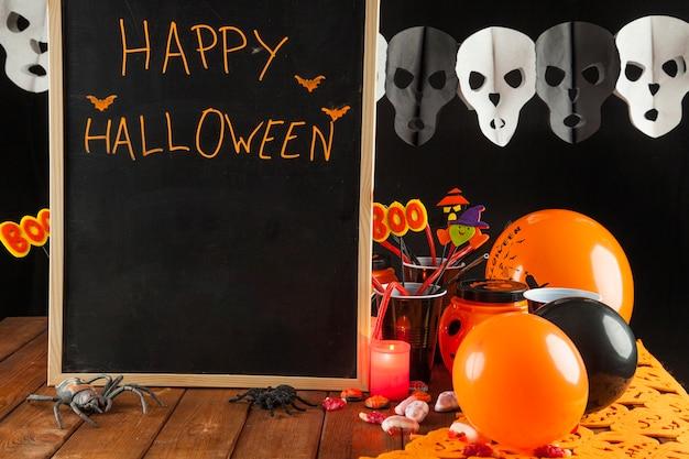 Décorations d'halloween au tableau noir