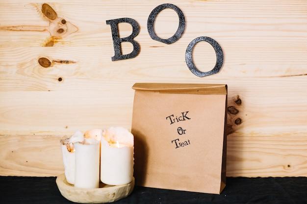 Décorations d'halloween avec des lettres de boo sur le mur