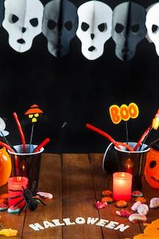 Décorations de halloween sur table
