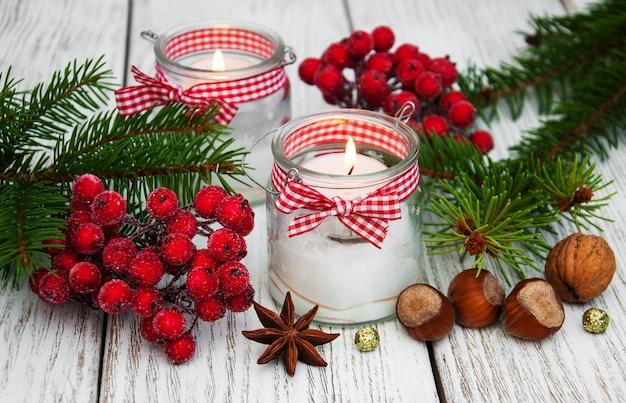 Décorations de noël bougies en pots de verre avec sapin