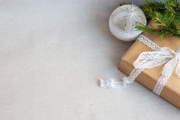 Décorations de noël avec coffret cadeau