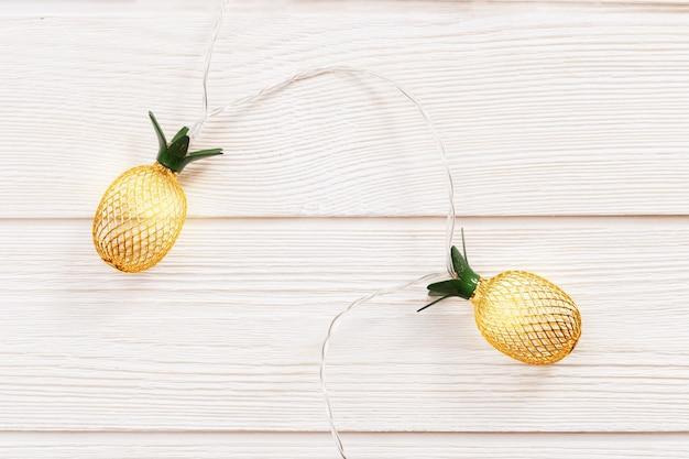 Décorations pour la maison de vacances à l'ananas