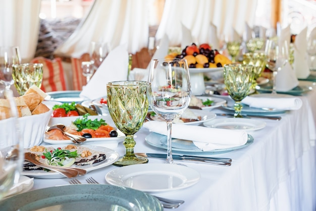 Décorations de table pour les vacances et le dîner de mariage