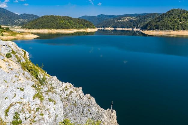 Découvre au lac zaovine en serbie