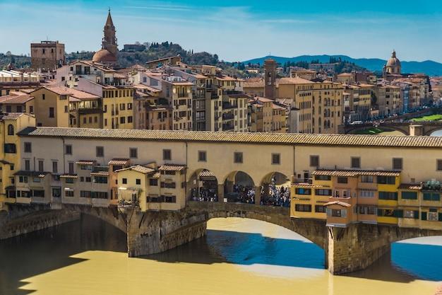 Découvre au pont ponte vecchio à florence, italie