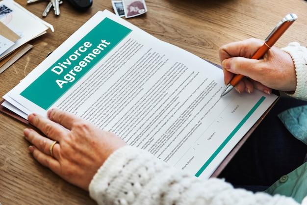Décret sur l'accord de divorce document de rupture concept