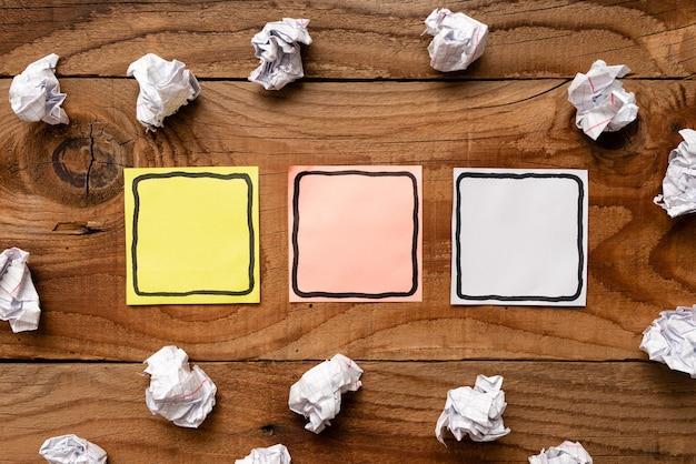 Définir de nouvelles idées, créer une nouvelle pensée, rechercher un objectif, démarrer la planification, opportunité de phase de collecte d'informations, papier-réponse de solution vierge abstraite