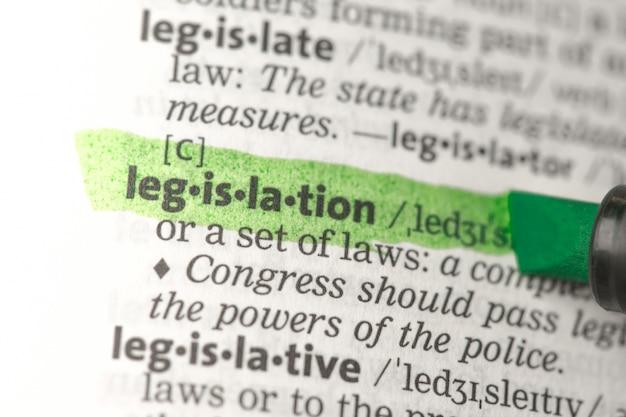 Définition de la législation surlignée en vert