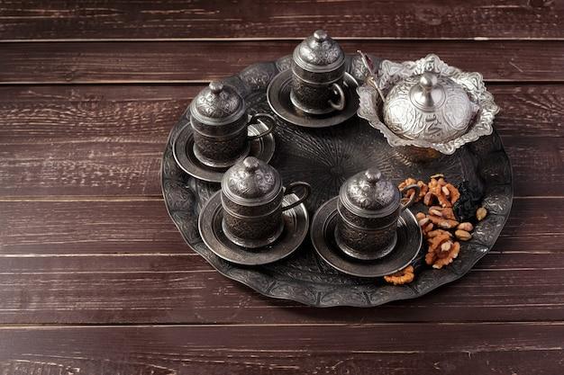 Délice turc sur une table en bois.