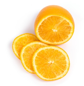 Délicieuse orange sur blanc