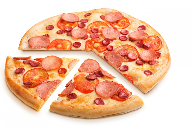 Délicieuse pizza italienne isolée