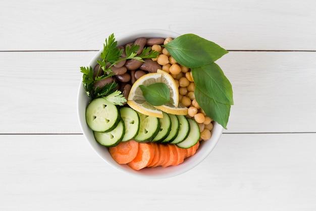 Délicieuse salade avec concept de haricots