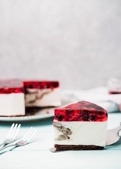 Délicieuse tranche de gâteau à la gelée