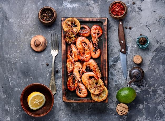 Délicieuses crevettes grillées