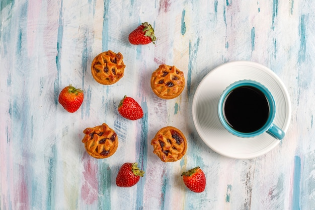 Délicieuses mini tartelettes aux fraises.